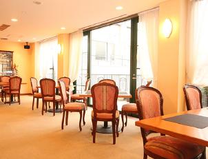 レストラン(中2階)